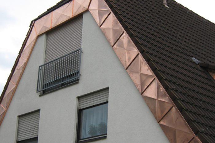 Blecharbeiten_Giebel_BlechZiegel-DesignKarat1